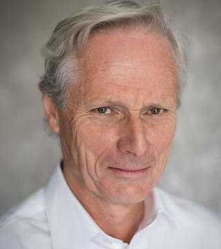 Dr Paul Nunn